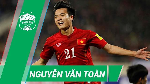 Chiều cao của cầu thủ Nguyễn Văn Toàn