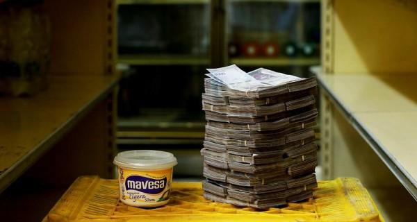 Inflación DIARIA en Venezuela es del 4 % - Batimos el récord mundial
