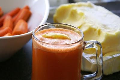 Carrot juice and ice-cream (Ab-havij Bastani)