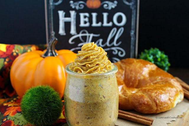 Whipped Pumpkin Pie Honey Butter from LoveandConfections.com #PumpkinWeek