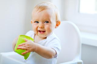 متي يحتاج الرضيع لشرب الماء