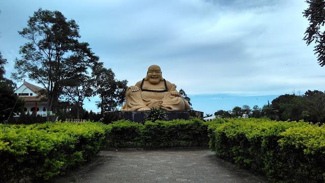 Jardim no Templo Budista de Foz do Iguaçu.