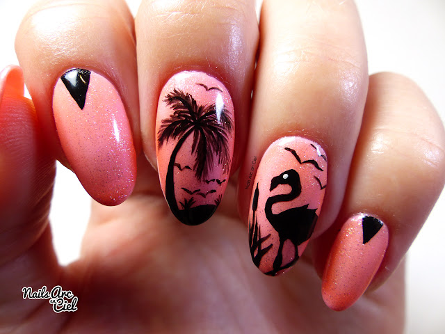 Nail Art - Flamant rose tropical et cocotiers par Nails Arc en Ciel
