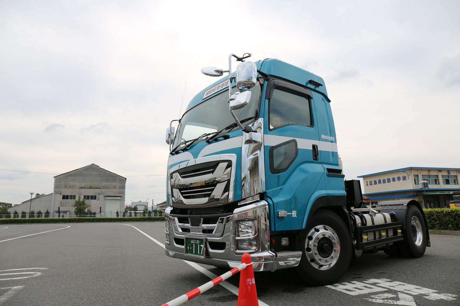 まだ行ってないの?広島県トラック協会と運送会社のガチンコ祭り、ひろしまトラックまつり(その1)