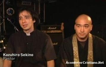 Un cura católico y un monje budista forman una banda de rock en Japón