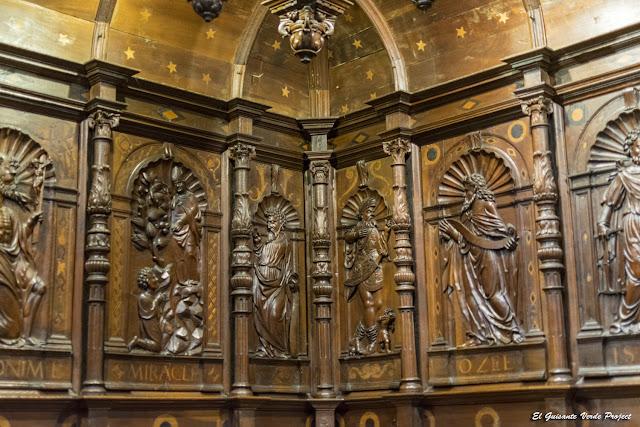 Relieves del Coro Renacentista de la Catedral de Santa Maria en Saint Bertrand de Comminges por El Guisante Verde Project