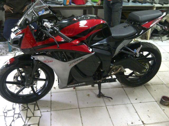 Modifikasi Honda Tiger Terbaru CBR Merah