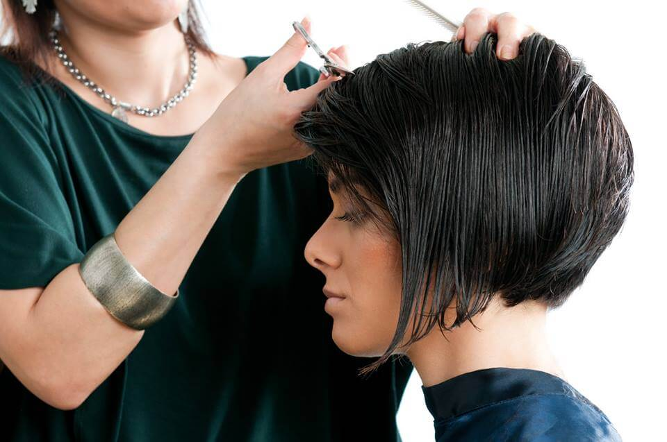 Services Rendered By The Best Saloon In Hyderabad