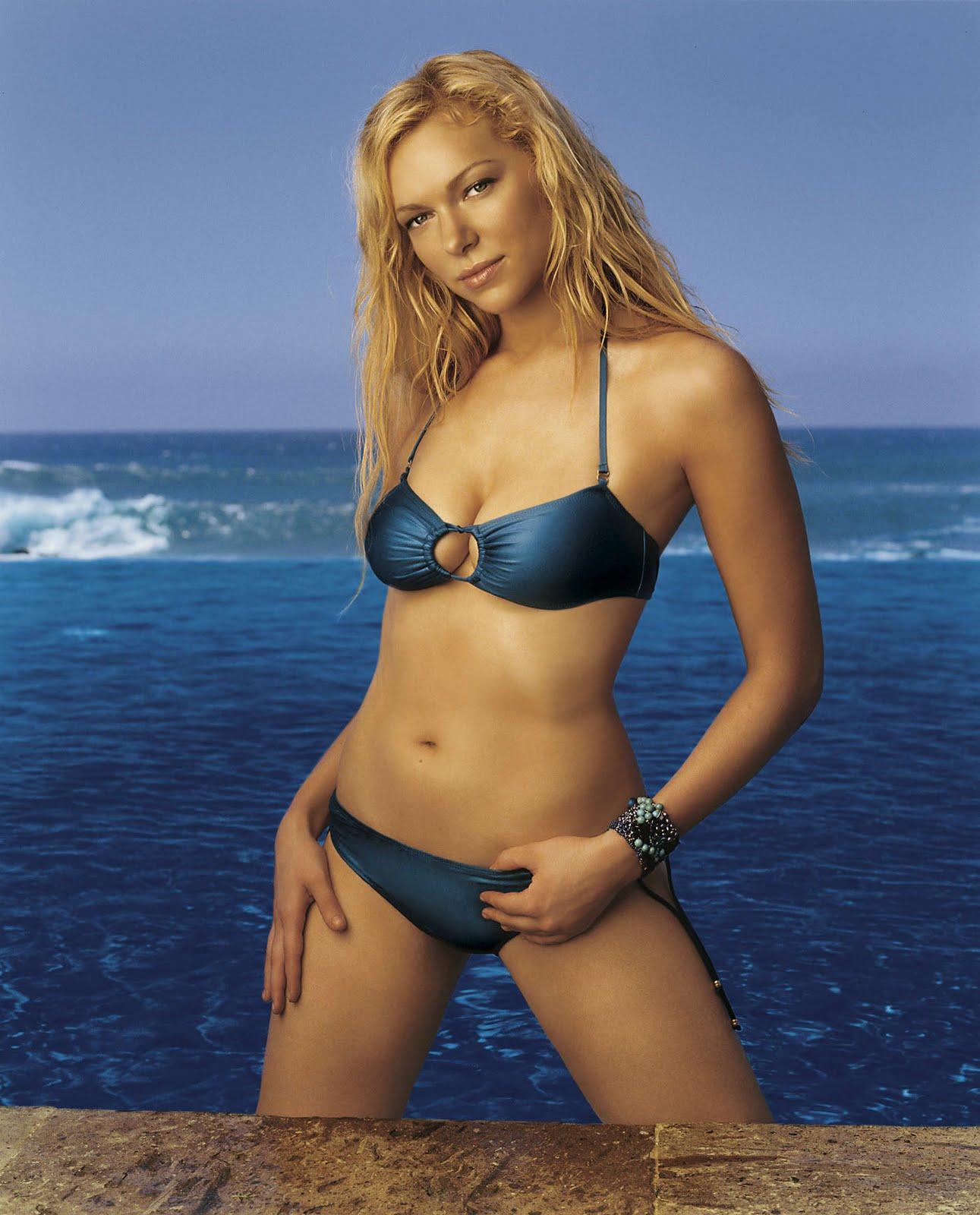 Laura Prepon Bikini Pics 4