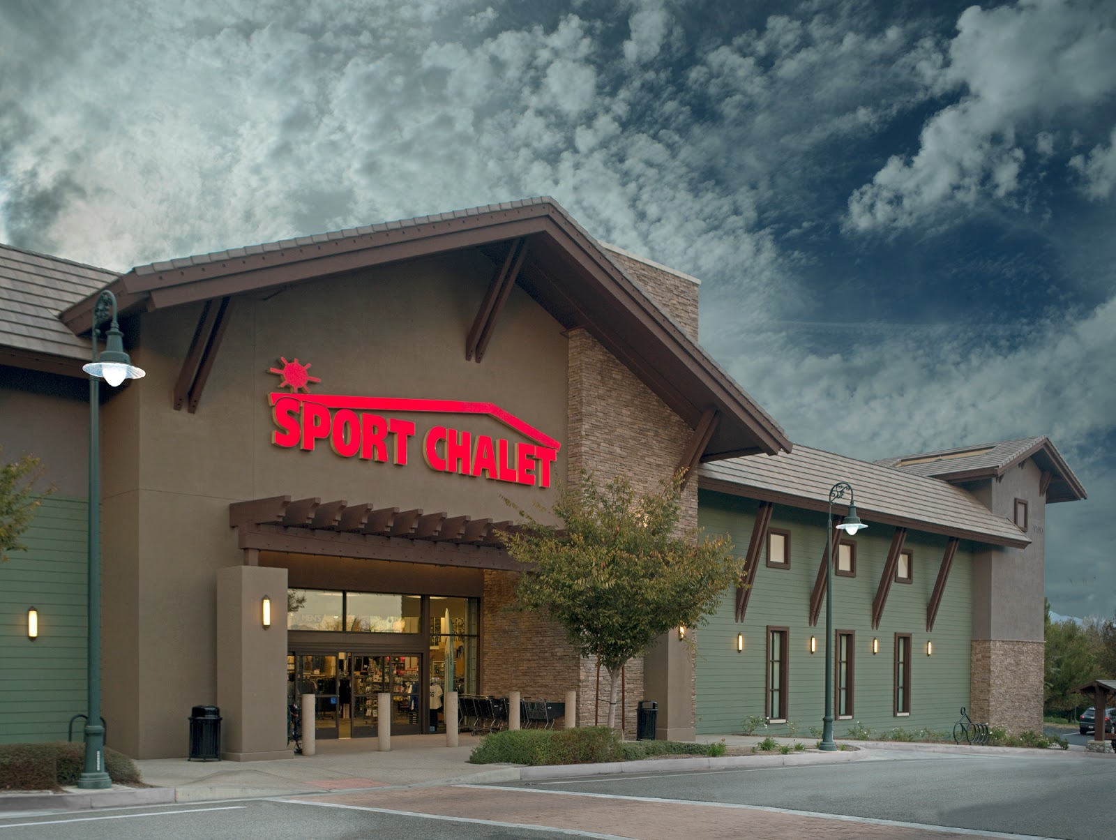 Sports Authority/Chalet Closing Down | The Panther Press