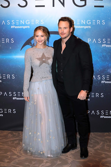 Jennifer Lawrence – 'Passengers' Photocall in Paris