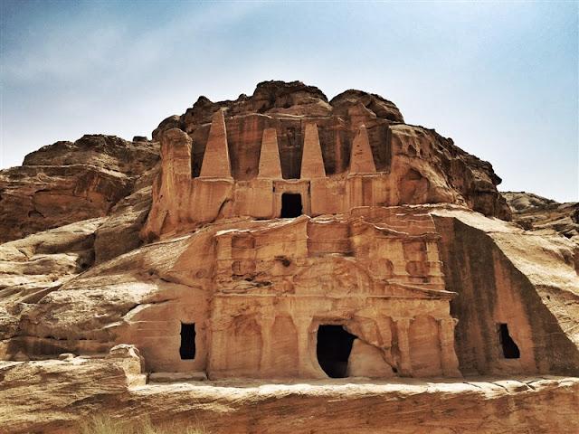 Petra Jordan lost city tombs