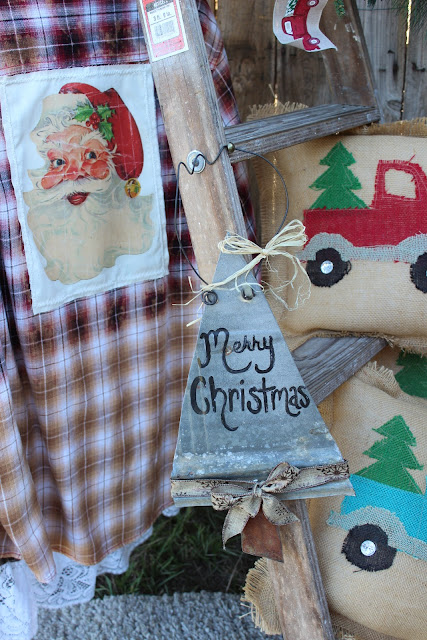 Rustic Barn Tin Christmas Sign