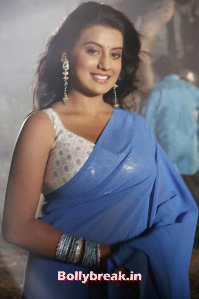 , Akshara Singh Hot Pics in Saree & Punjabi Suit