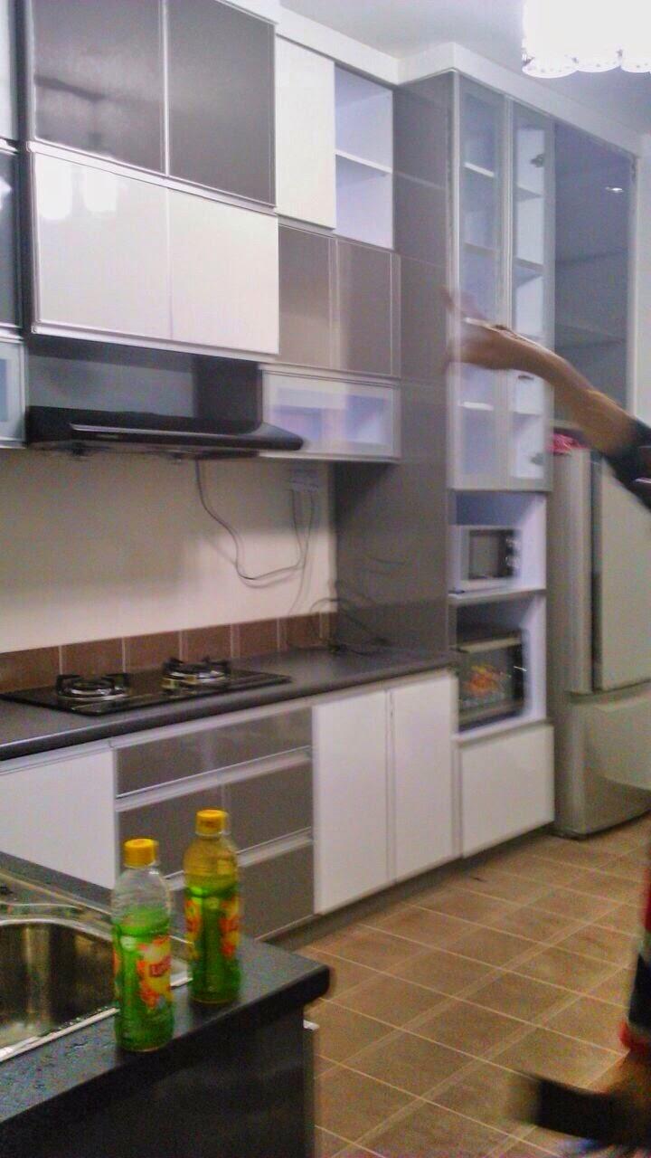 Kabinet Dapur Putih Kelabu Desainrumahid