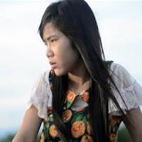 Lirik Lagu Minang Rayola - Cinto Tasangkuik Diawang-Awang