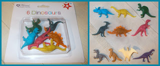 1 Home Collection Perfect Moments Six Dinosaurs Poundland Anker Group Plastic Toy Animals 1 Blister Pack; Dinosaur Models; Dinosaur Novelties; Header Card; Made in China; Novelty Toy; Plastic Figurines; Plastic Toys; Small Scale World; smallscaleworld.blogspot.com;