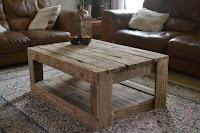 mesa simple con pallets de madera