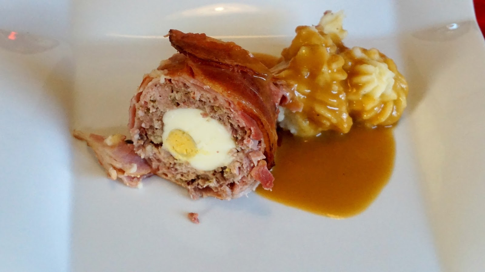 Pastel de carne con huevo y bacon recetas de navidad for Cocina facil para navidad