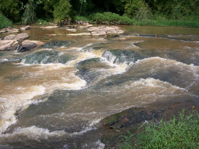 Resultado de imagem para poluição da água rio jaboatão