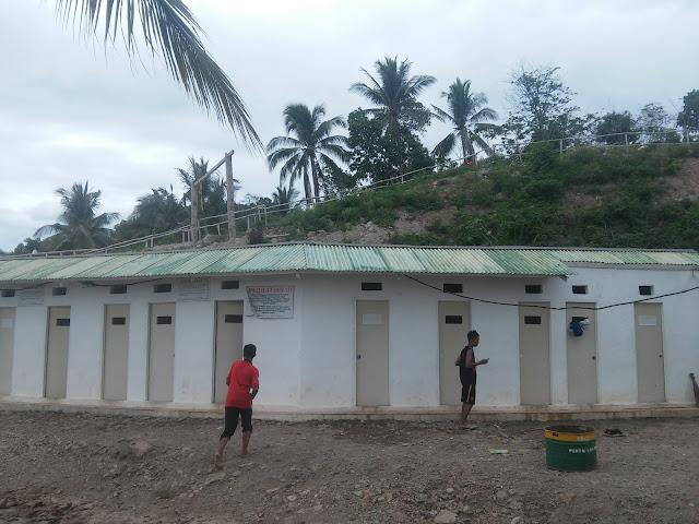 Fasilitas MCk Pantai Sari Ringgung di Provinsi Lampung