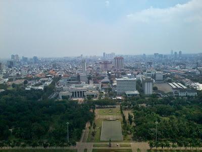 Jakarta dari Puncak Monas