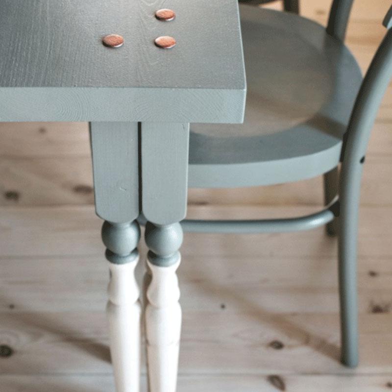 nuovi colori per rinnovare tavolo e sedie