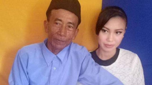 Kakek Badu dengan Ike Nurjanah menikah dengan modal Rp  Berita Terhangat Modal Rp 300 Ribu, Kakek 56 Tahun Bisa Nikahi Perawan 17 Tahun