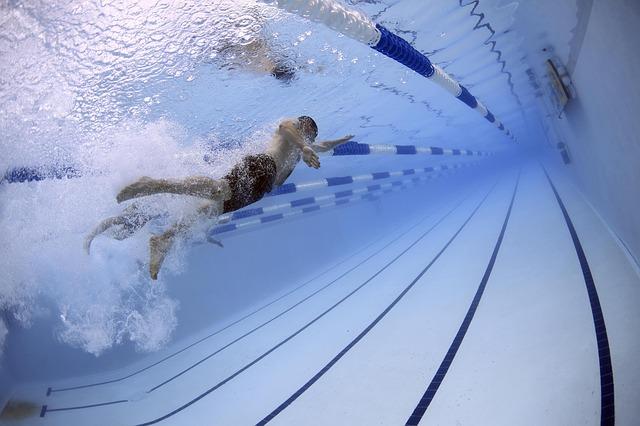 olahraga berenang sebagai peninggi badan