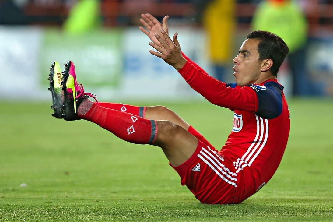 Chivas antepone títulos por la gratitud con Bravo.