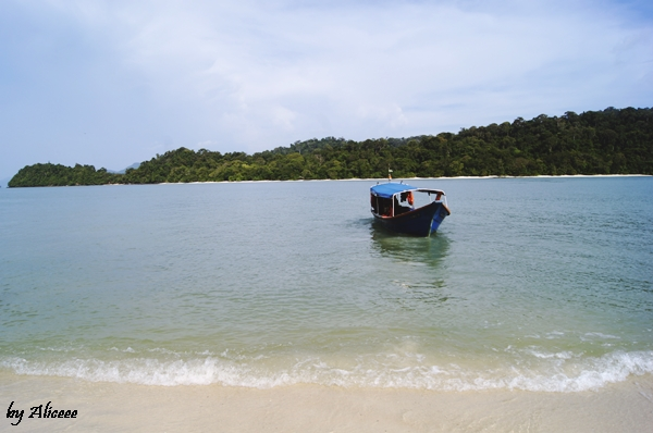 plaja-cu-nisip-alb-Malaezia
