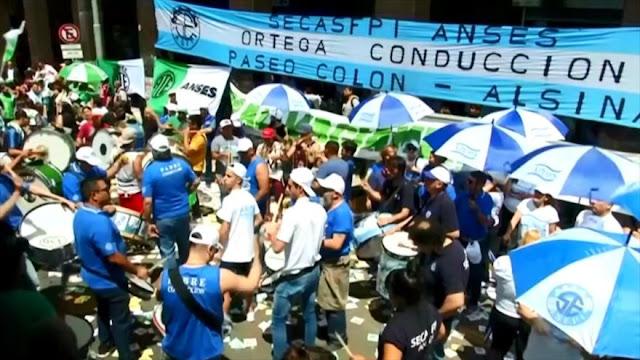 En Argentina protestan contra reforma laboral de Mauricio Macri