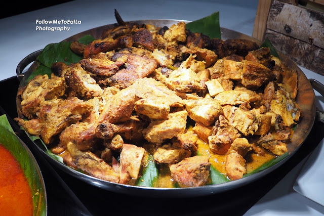 Ayam Perchik Kelantan  (Roasted Chicken With Coconut & Lemongrass Gravy)