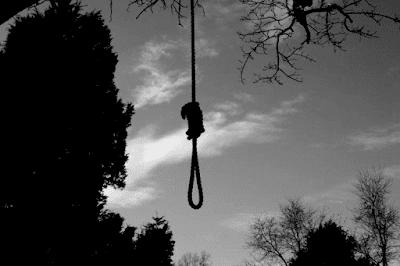 """""""Noose found hanging from tree outside Brooklyn Public Library"""". Mio ritocco dell'immagine che apre questo articolo della testata New York Daily News. Clicca sull'immagine per aprire la pagina dell'articolo. OVVIAMENTE, l'immagine ha attinenza col post."""