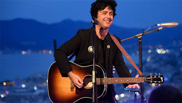 """Billie Joe (Green Day) covers """"You Can't Put Your Arms Around A Memory"""""""