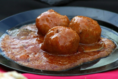 Mexican Meat Balls in Chili Sauce