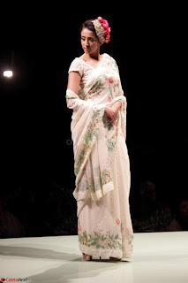 Pallavi Jaikishan Celete 45year In Industry witha beautiful Fashion Show 20.JPG