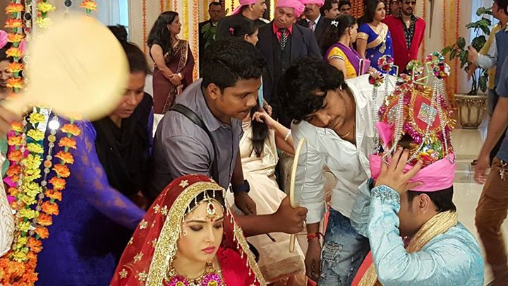 Dinesh Lal Yadav Wedding With Amrapali Dubey ON Set of Aashiq Aawara movie First Look Poster