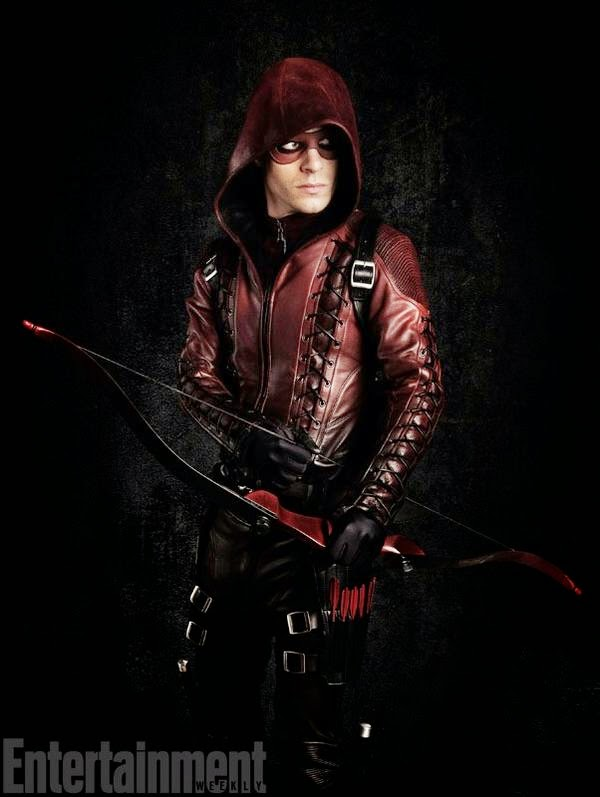 Colton Haynes es Arsenal en Arrow T3