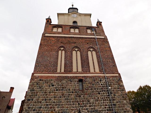 wejście, kościół, świątynia, mieszkowice, atrakcje turystyczne, zachodniopomorskie