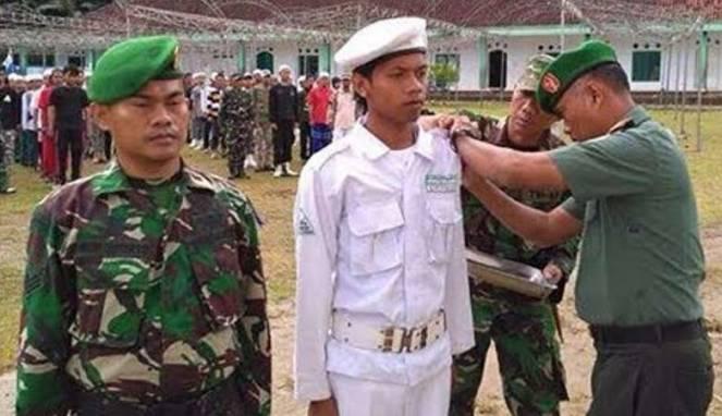 Latihan bersama TNI-FPI di Lebak (5/1/2017)
