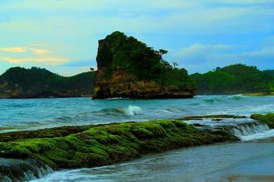 akcayatour, Pantai Bajul Mati, Travel Jogja Malang, Travel Malang  Jogja