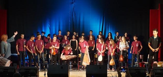 Εκπληκτική μουσική παράσταση με τον Θανάση Πολυκανδριώτη από το Μουσικό Σχολείο Αργολίδας (βίντεο)