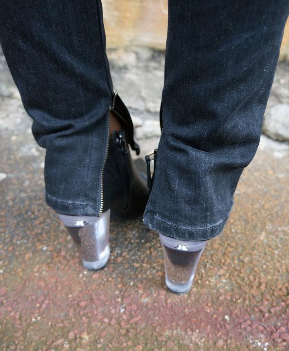 vince-skinny-jeans-zipper