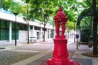 Paris : Les fontaines Wallace voient la vie en couleurs