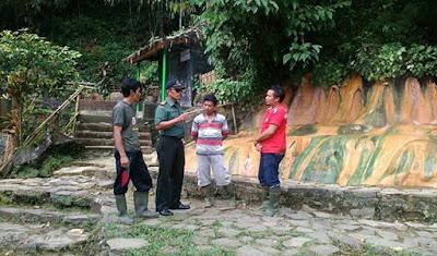 Cek Lokasi Wisata, Danramil Nyambi Sosialisasi TMMD