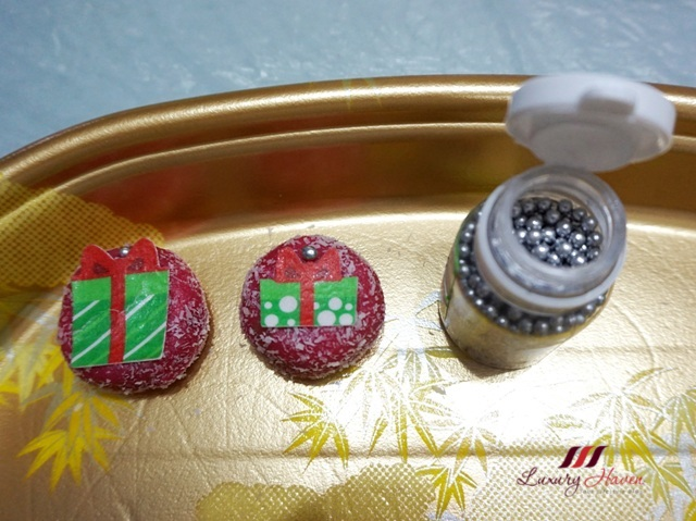 cranberry christmas mini cakes edible xmas wafer topper