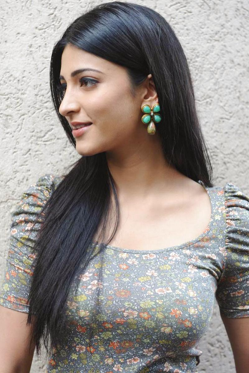 Latest Bollywood Party Wear Salwar Suits 2016 2017: Sruthi Hassan Hot Photo Gallery