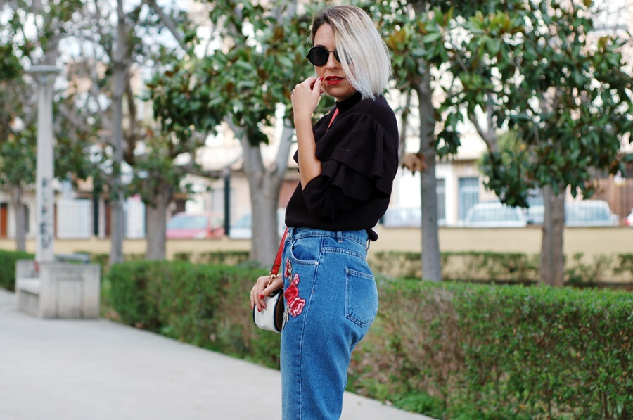 RUFFLES &  EMBROIDERY MUM JEANS & RED BOOTS LITTLEDREAMSBYR STREETSTYLE