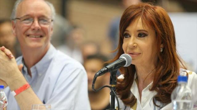 Cristina Fernández llama a defenderse del neoliberalismo de Macri